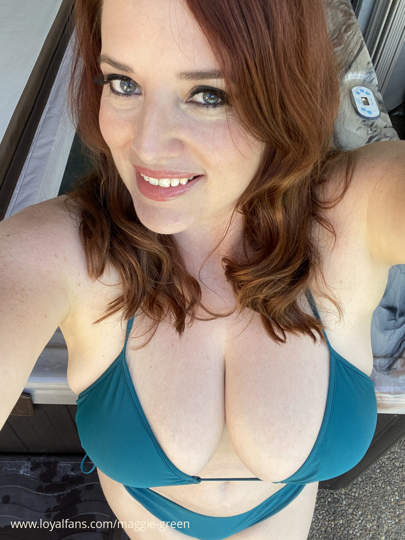 Maggie Green Official Fan Page - Videos, Pictures, and More
